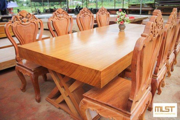 Tại sao nên sử dụng gỗ tự nhiên nguyên tấm làm bàn ăn ?