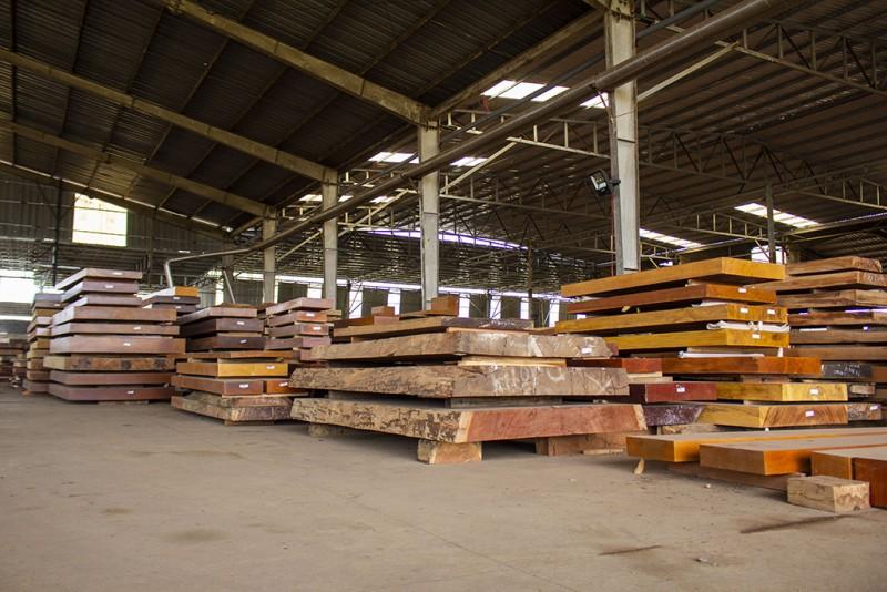 Nguyên liệu gỗ cẩm